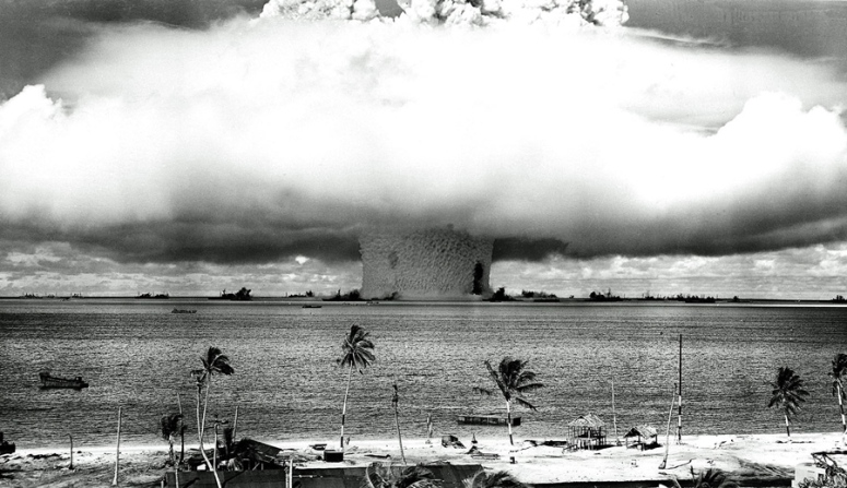 First Nuclear Bomb Test_USA:New Mexico_1945